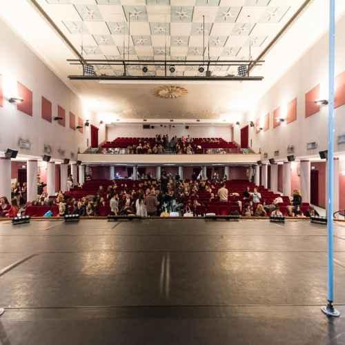Backstage pole art italy 2015 08